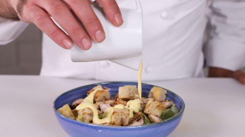 condire la caesar salad