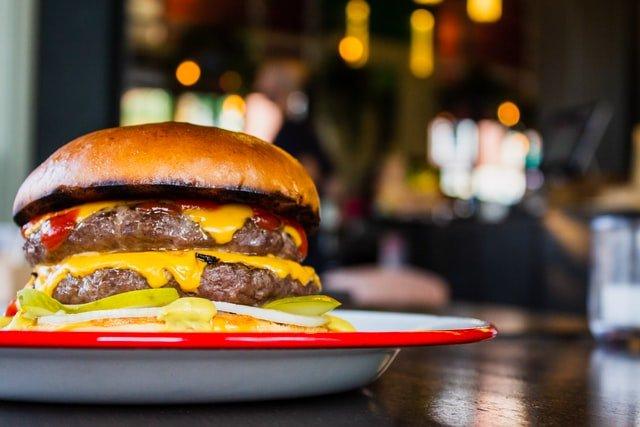 come-cucinare-gli-hamburger-in-padella