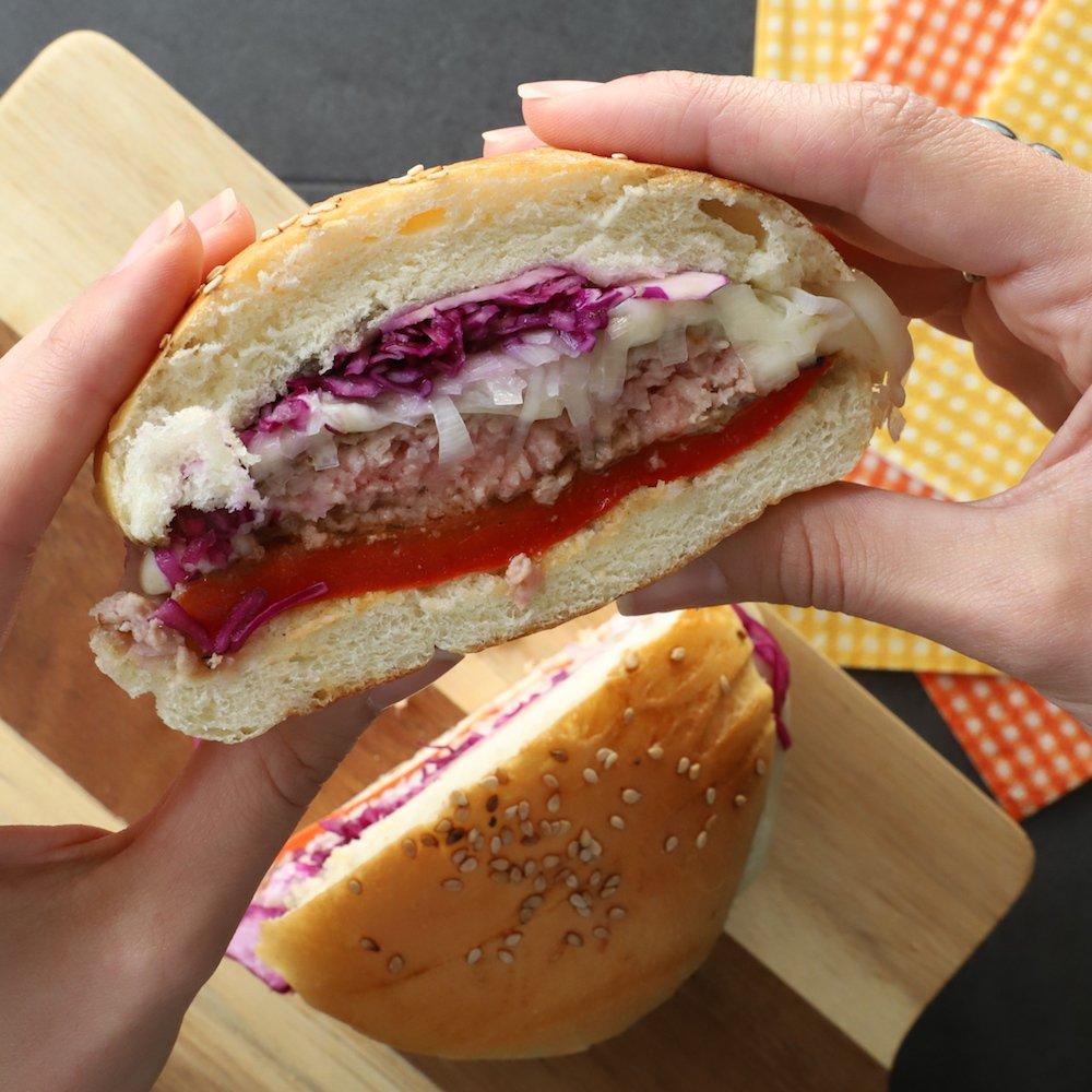 hamburger-di-maiale-ricetta-piemontese-formaggio-Castelmagno